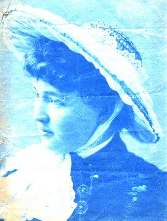 Cyanotype of an unknown woman in hat